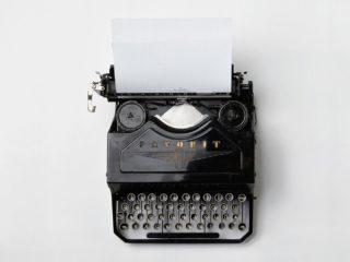 typewriter 498204 1920 EAT SEO? So kannst Du das E-A-T Deiner Webseite verbessern